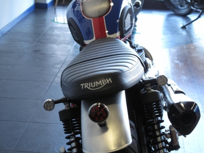 Street Twin Criminal Style - 1